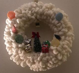 Loop it yarn snowscene wreath.jpg