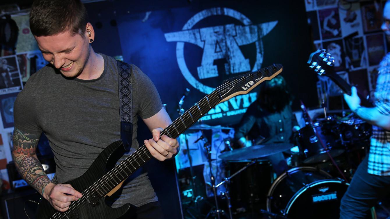 Rob Kuhler - Guitar