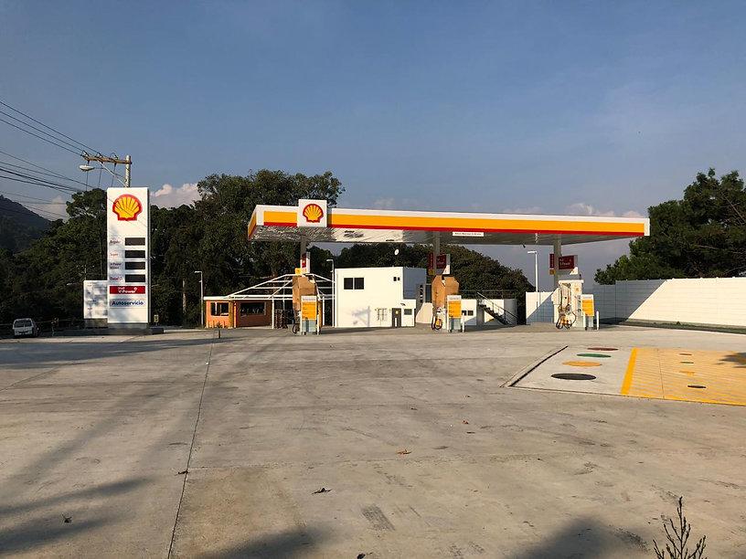 Gasolinera shell con oficinas