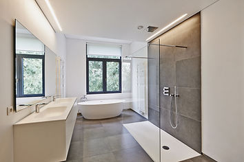 Bathtub in corian, Faucet and shower in
