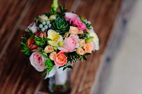Bridal bouquet w/succulents