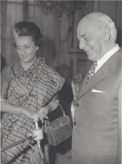 Avec le Ier ministre Indira Gandhi