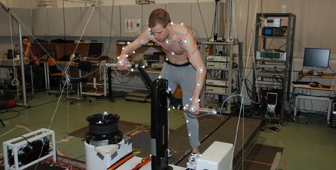 Undersøgelser af grinding performance på Aalborg Universitet