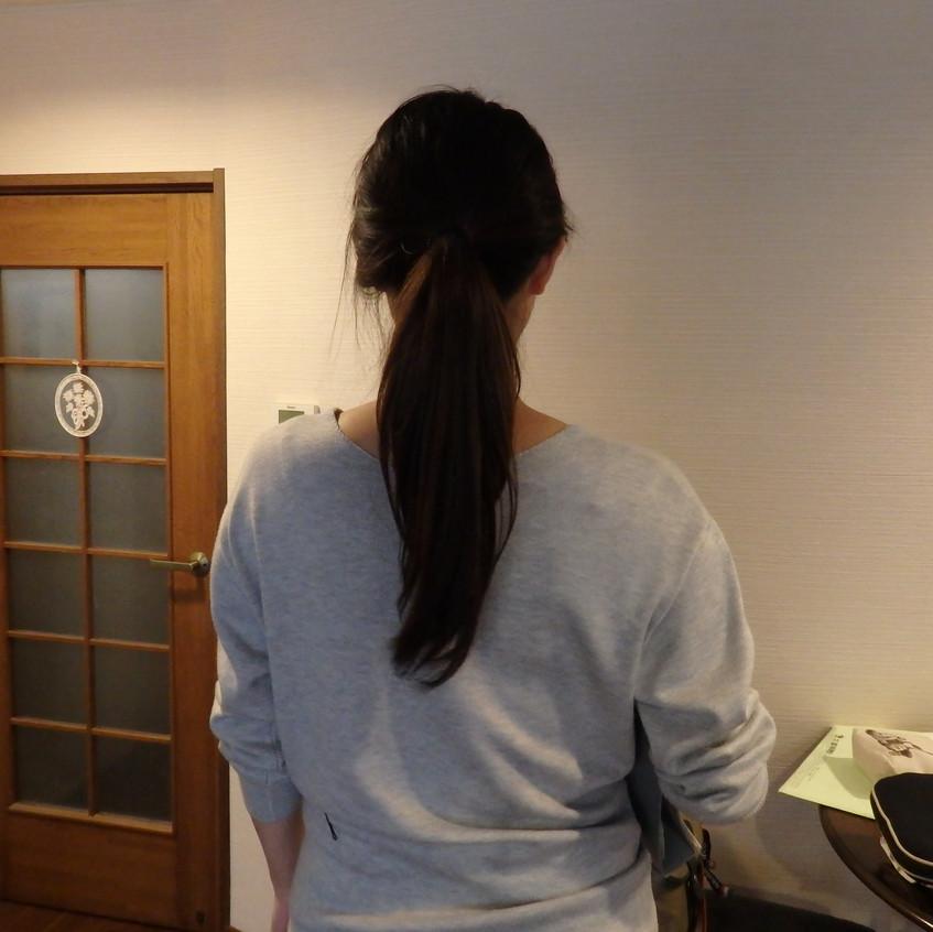 断髪式前の後ろ姿