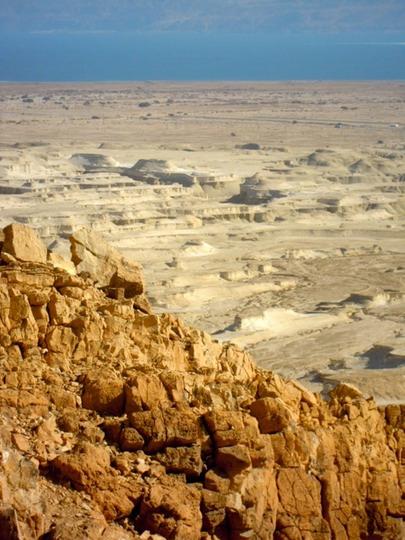 Dead desert, dead sea