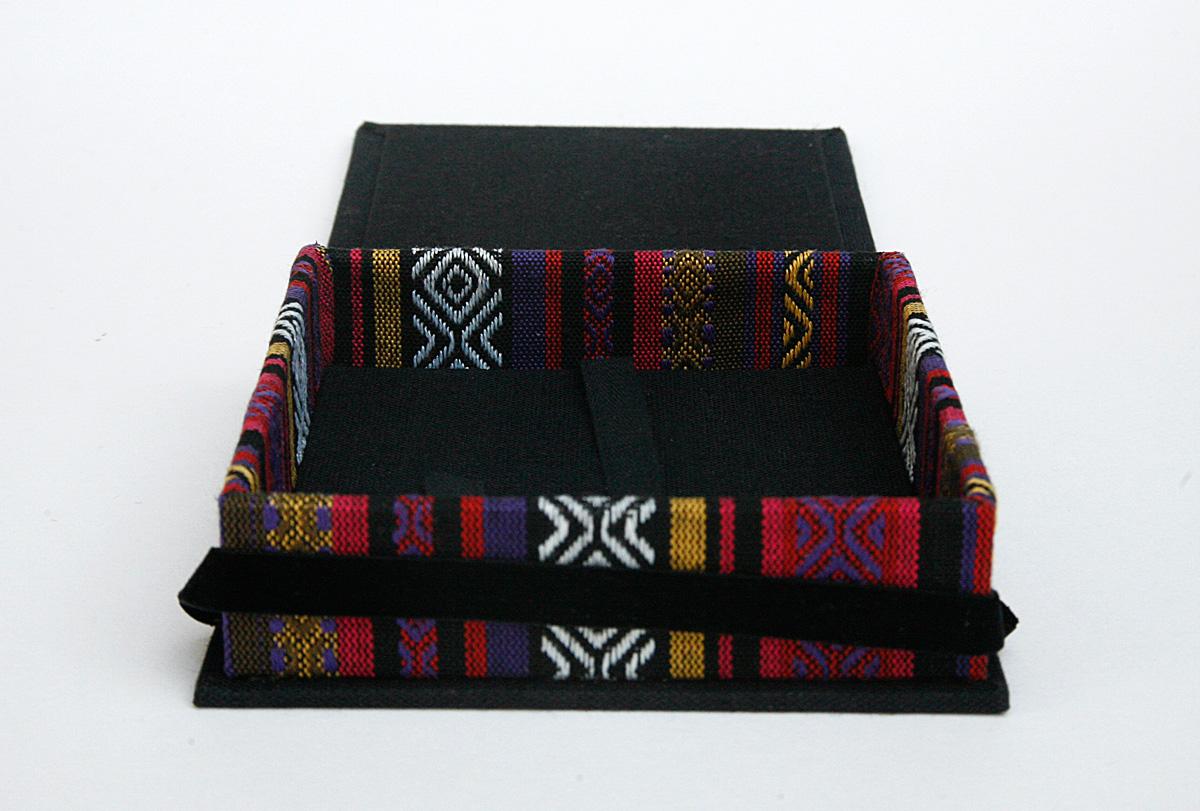 Box_4x4_Ethnic_Black4