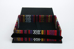 Box_4x4_Ethnic_Black4
