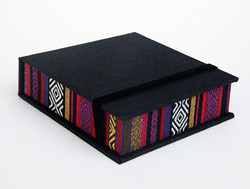 Box_4x4_Ethnic_Black5
