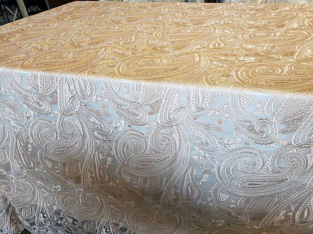 One of our most popular linens! Comes in blush pink too.