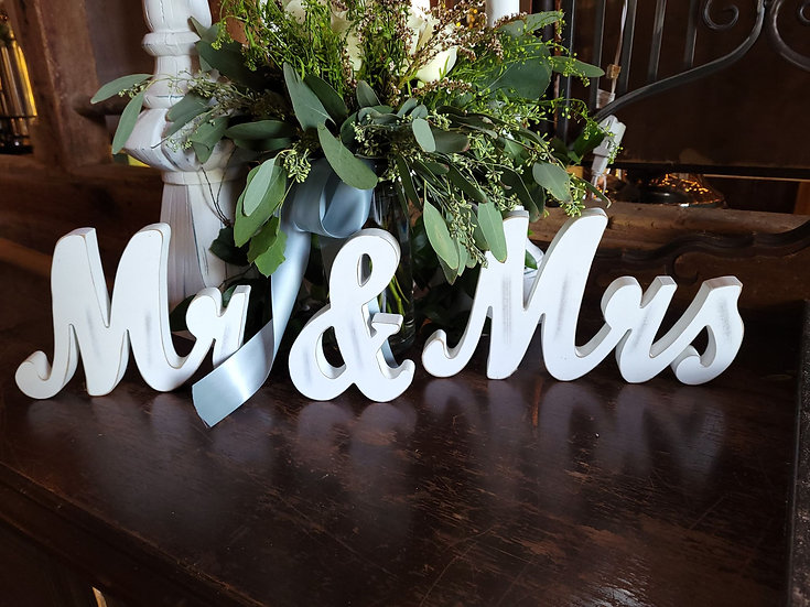 Wood Mr/Mrs Signs
