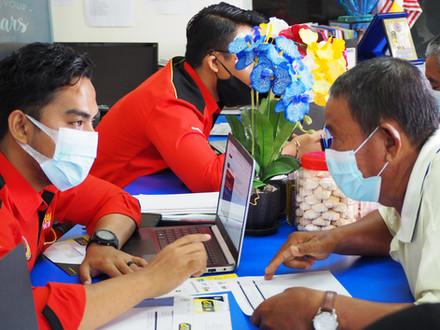 Majlis penyerahan Kad Perak Prihatin Adun Rungkup