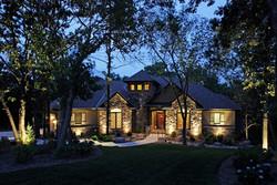 front-yard-lights-mckay-landscape-lighting_4463