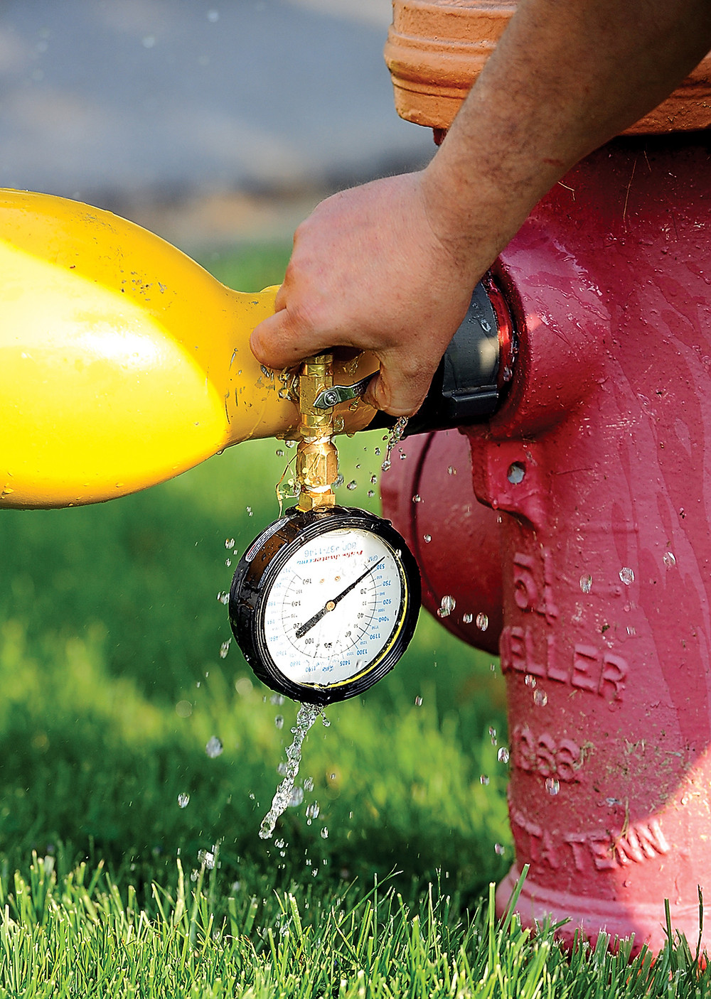 04-05 Hydrant flushing 2 3547.jpg