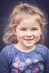 Kinderportraits,authentische Portraits, tolle Erinnerungen, Kinderlächeln, Fotogeschenk