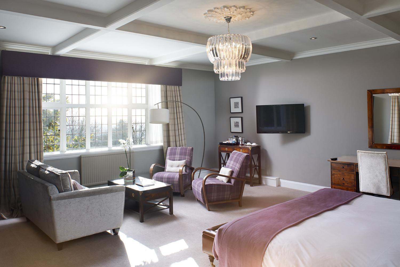 Manor-Bedroom-06.jpg