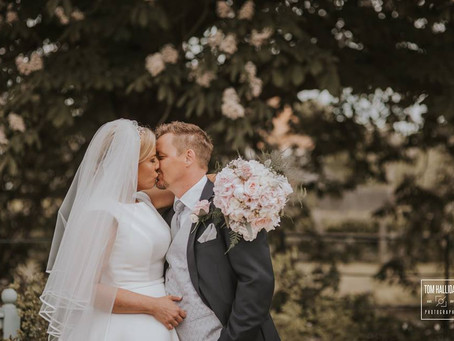 Top 10 Tips for Engaged Couples looking for a Wedding Florist