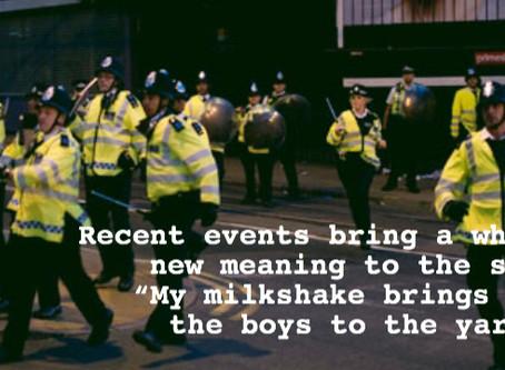 MILKSHAKE - IT BRINGS ALL THE BOYS TO THE YARD...