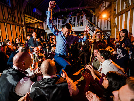 How to choose the perfect DJ for your Wedding as a Newly Engaged couple