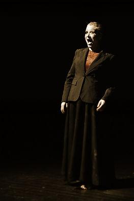 woman2_storyt.jpg