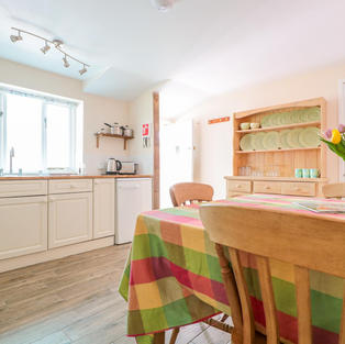 Self Catering farm cottage kitchen