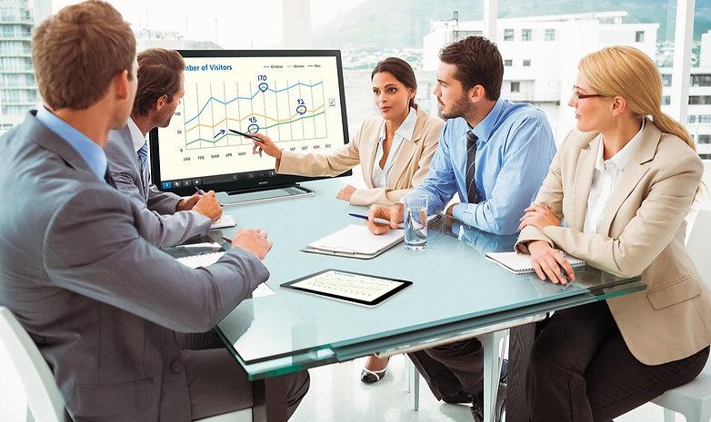 PN-40TC1_huddle-meeting1_i522258271_edit
