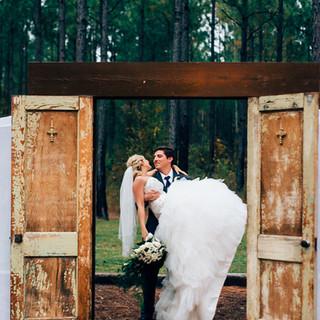 MEGAN DERRICK-Bridal and Groom-0005.jpg