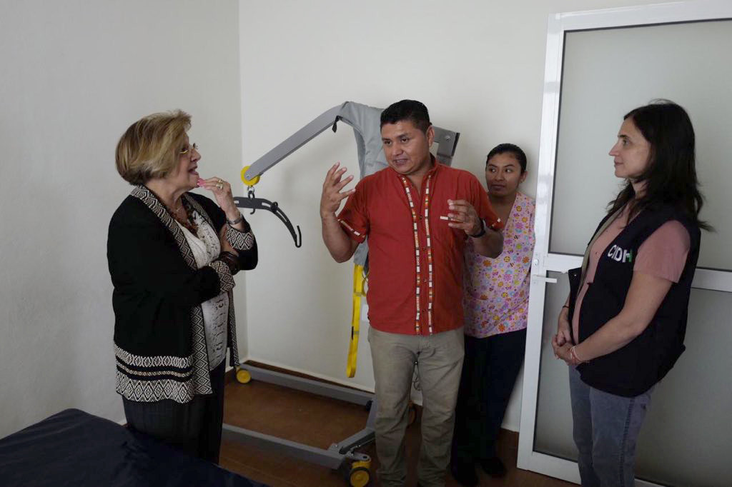 Aldo Gutiérrez, normalist injured in Iguala receives visit from the IACHR