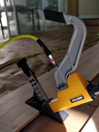 Hardwood Flooring Cleat Nailer