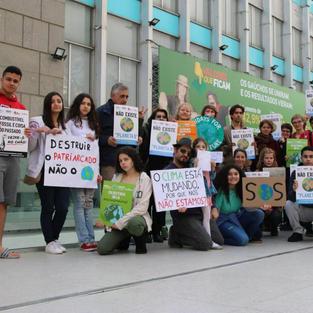 Atividade de estudantes e ativistas do projeto Escolas pelo Futuro