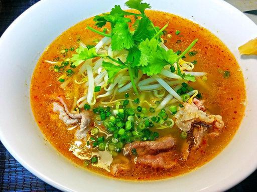 フォーボーサテ(ベトナムラー油入り牛肉麺)Vietnamese spicy beef rice noodle