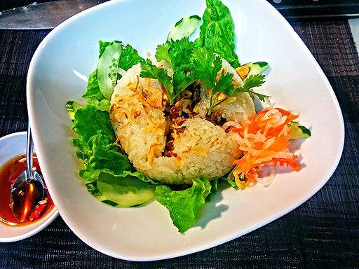 ソイ ハット セン(蓮の実のおこわ)Sticky rice with lotus seeds steamed