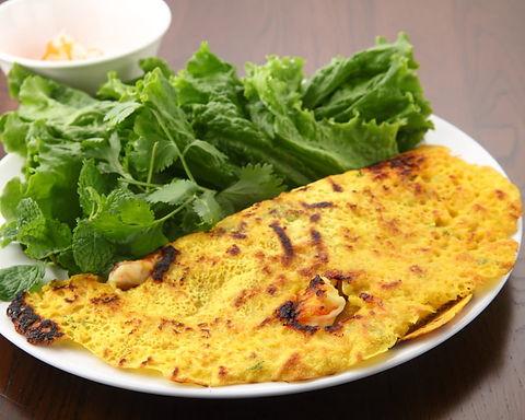 バインセオ(ベトナム風お好み焼き)Pork and shrimp pancake Veitnam style