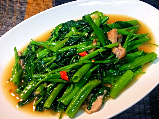 パックブンファイデエーン(空芯菜の炎炒め)Stir fried green vegetable<kuushinsai>