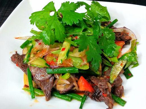 ヤム ヌア ヤーン(辛牛焼肉サラダ)Spicy beef salad Thai style