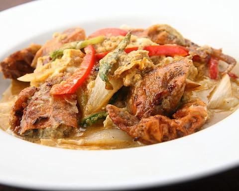 プーニムパッポンカリー(ソウトシェルクラブのカレー炒め)Stir fried soft shell crab curry flavar
