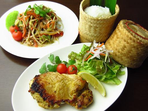 ガイ ヤーン(鶏肉のスパイシー炙り焼き)Griled spicy chicken
