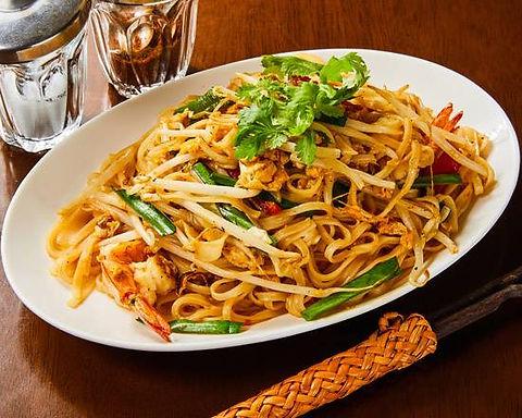 パッタイ クン ソット(海老のタイ風焼きそば)Stir fried rice noodle Thai style