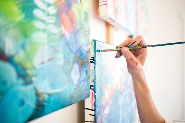 Hand painting Studio Wix.jpg