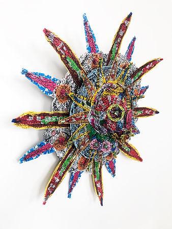 Masque en plastique recyclé compressé Frank Sorbier