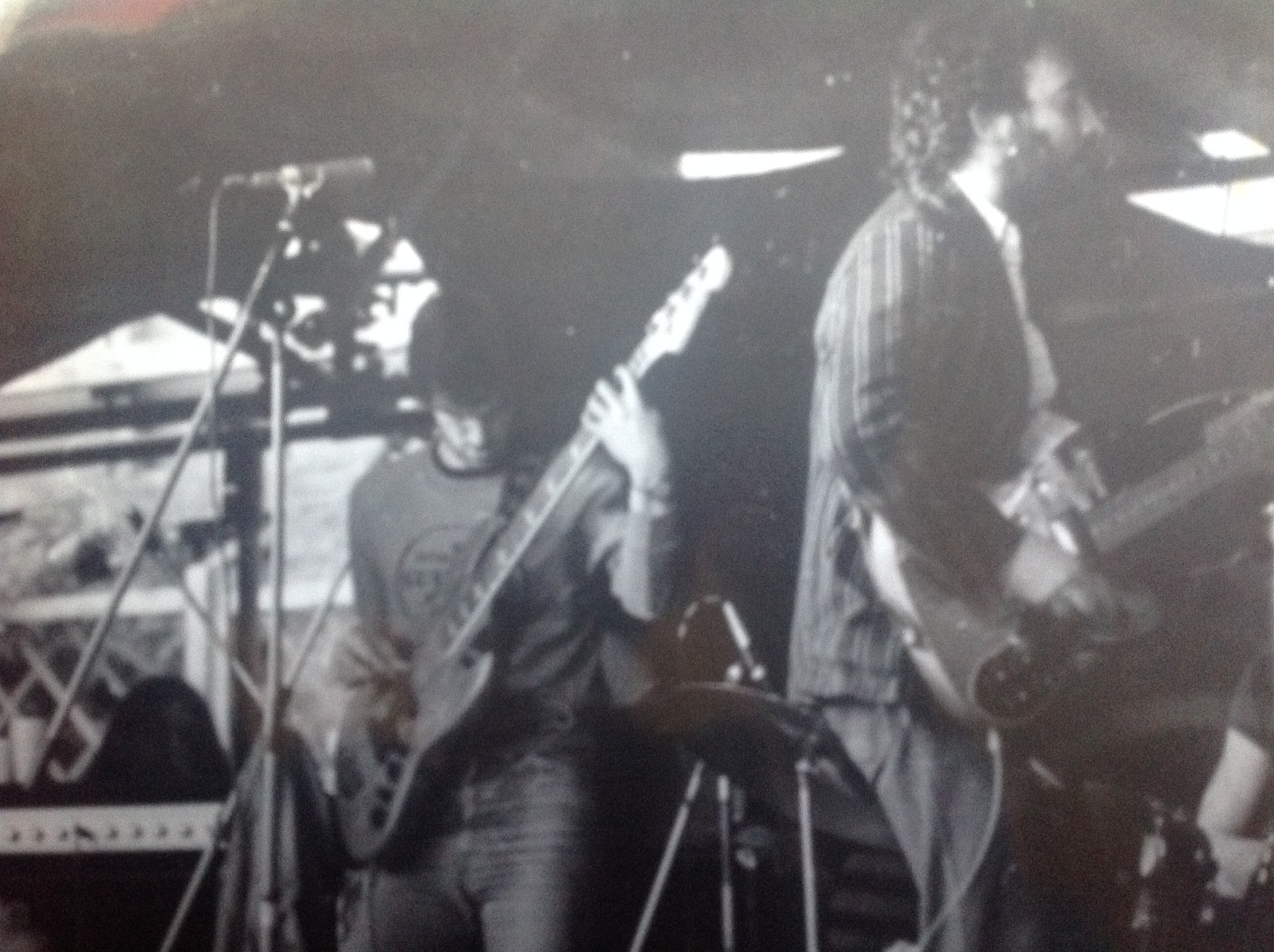 Early Juice gig