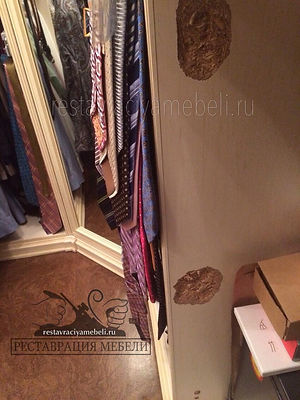 Вырванные петли у итальянского шкафа