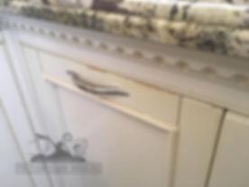 Потертости и сколы на фасадах кухни