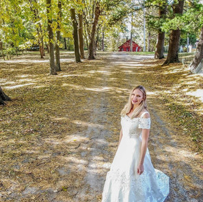 2018_10 Autumn Bride with Red Barn_crop.