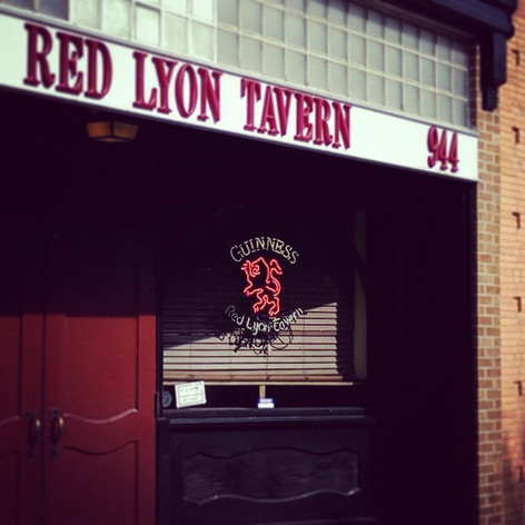 Favorite Signs of #LFK, No. 2: Red Lyon Tavern. They'll charge you for the Guinness but the shamrocks are free. Rawr.