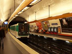 Metro StMichel Paris