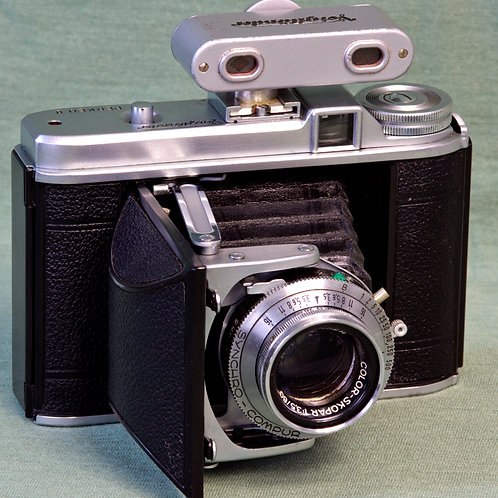 Voigtlander Perkeo II 120 medium format folding camera with Synchro-Compur 1/500