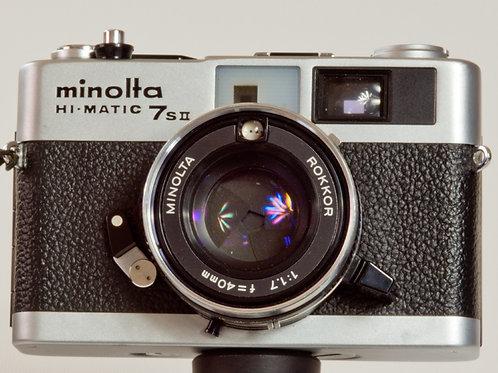 Minolta Hi-Matic  7s II fixed lens 35mm rangefinder. Rokkor 40mm f1.7 lens front view