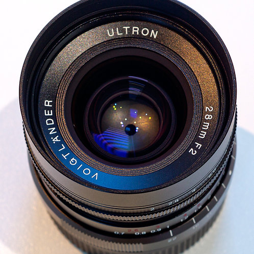Voigtlander Ultron 28mm F2 lens top view