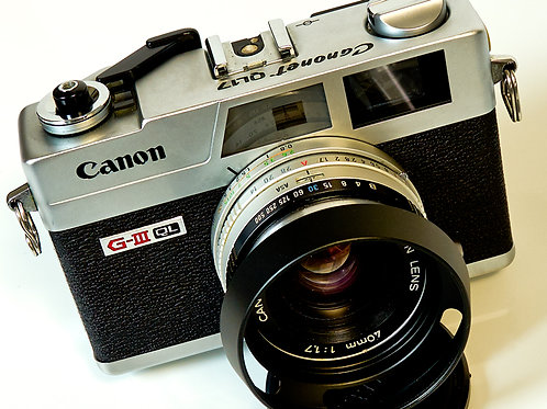 Canonet G-III QL17 front view