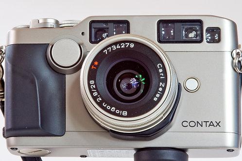 Contax G2 autofocus rangefinder camera and lens choice.